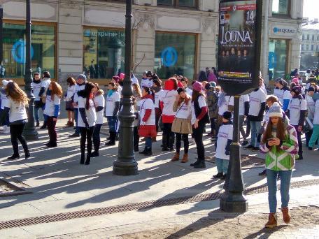 В центре Петербурга молодёжь устроила танцевальный флешмоб